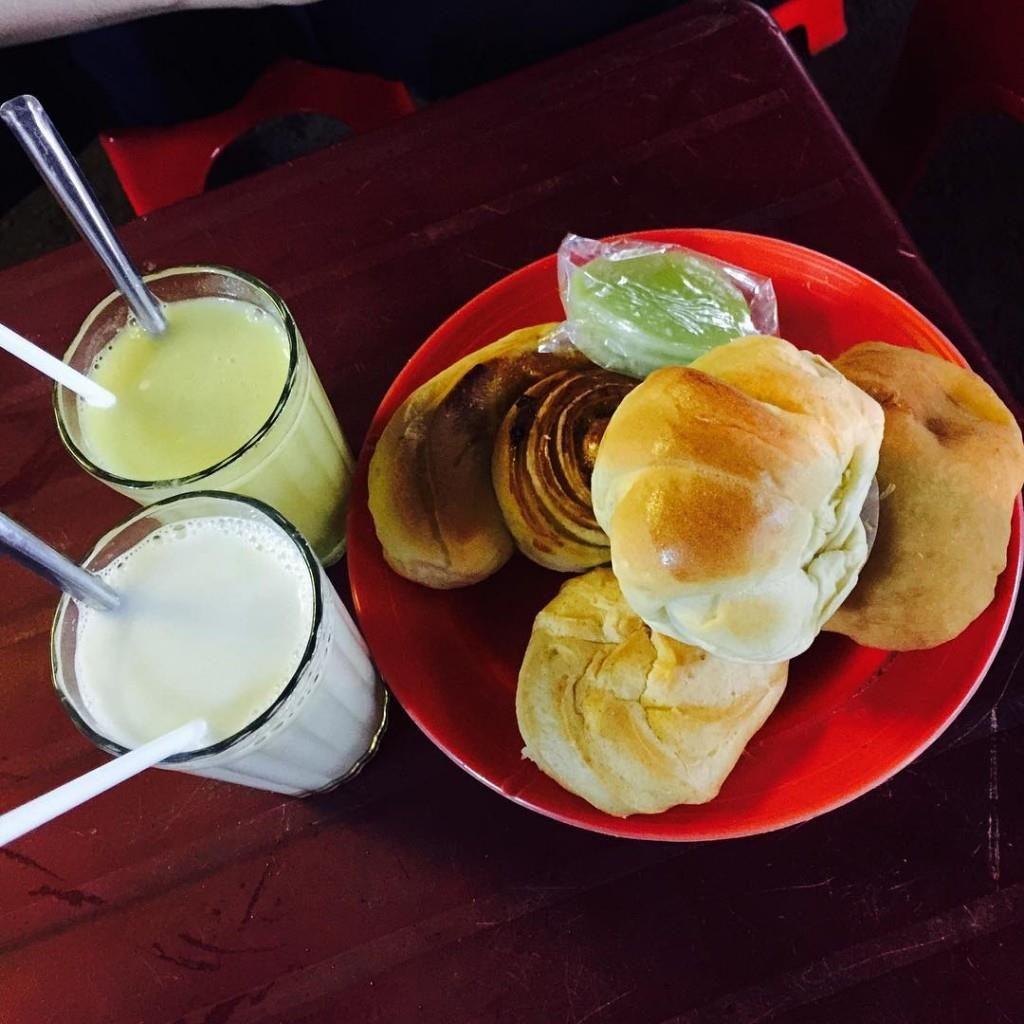 Sữa Đậu Nành - Món uống không thể thiếu cho mỗi hành trình khi đến Đà Lạt.
