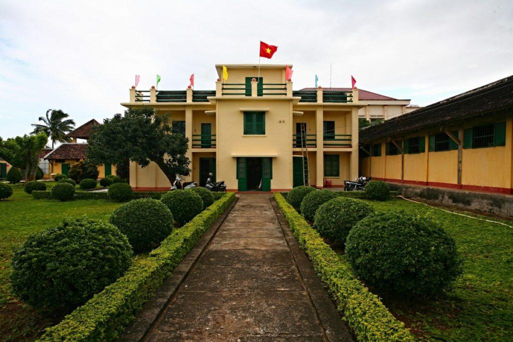 Nhà Đày Buôn Ma Thuột điểm đến lịch sử đỏ cho các hành trình tour về nguồn.